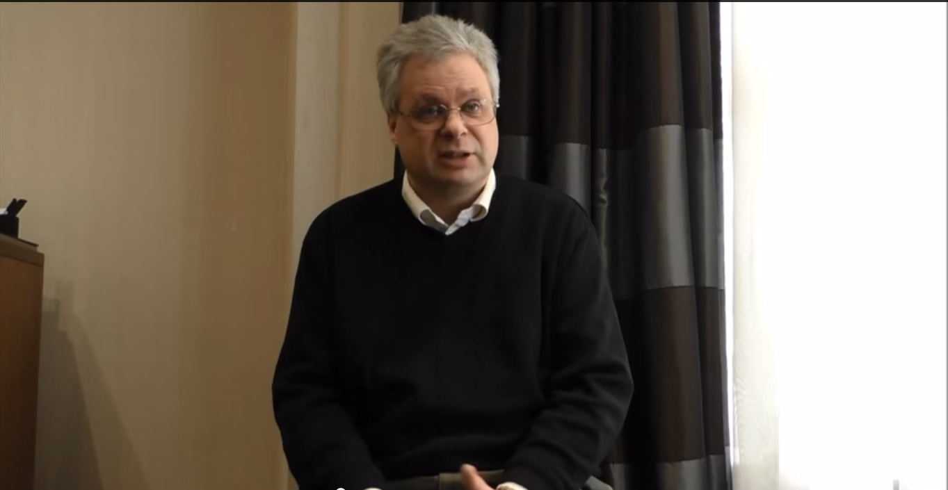<p>A parent discusses his experiences of reflux in Smith-Magenis syndrome</p>